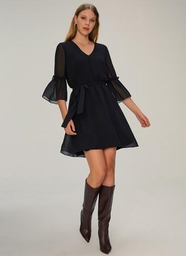 NGSTYLE Kolları Volan Detaylı Elbise Siyah